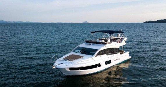 Аренда яхты Majesty 48 на Пхукете